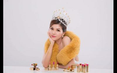 tan-nu-hoang-ho-oanh-yen-tham-gia-su-kien-ngoisao-beauty-expo-2019