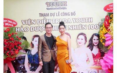 nsut-trinh-kim-chi-mc-anh-quan-tham-du-buoi-le-khai-truong-vien-cham-soc-da-youth