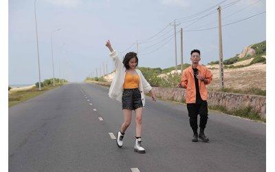 phuong-ly-rhymastic-mang-hit-moi-lan-dau-tien-trinh-dien-tren-san-khau-am-nhac