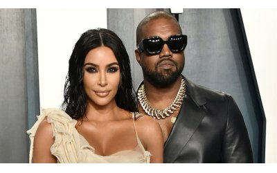 kim-kardashian-song-the-nao-voi-khoi-tai-san-900-trieu-usd