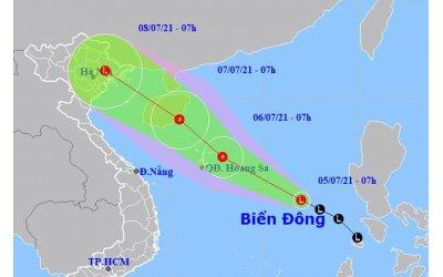 vung-ap-thap-tren-bien-dong-manh-len-ha-noi-mua-lon